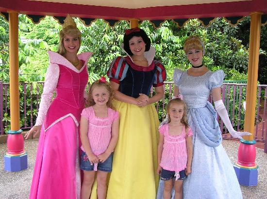 Our princesses meet the other princesses picture of hong kong hong kong disneyland our princesses meet the other princesses m4hsunfo