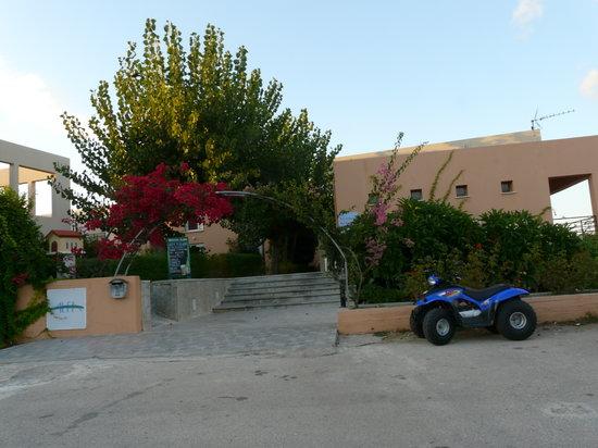 Alfa Apartments: Alfa Apartment Hotel entrance