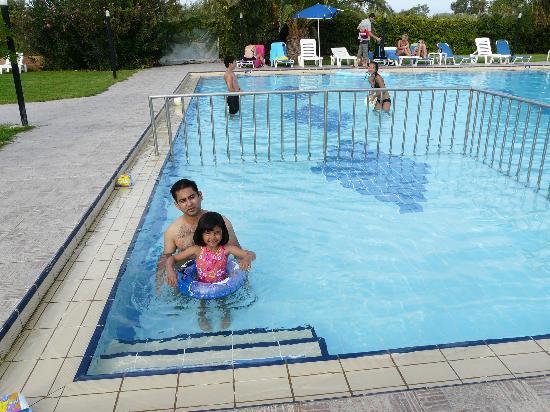 Alfa Apartments: Poolside