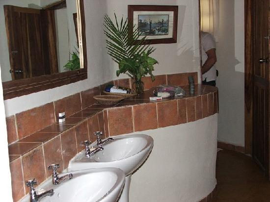 Thorntree River Lodge: Thorntree bathroom