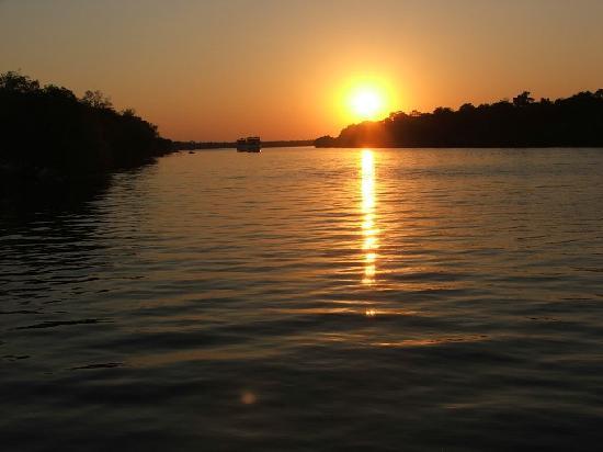 Thorntree River Lodge: Sunset on the Zambezi