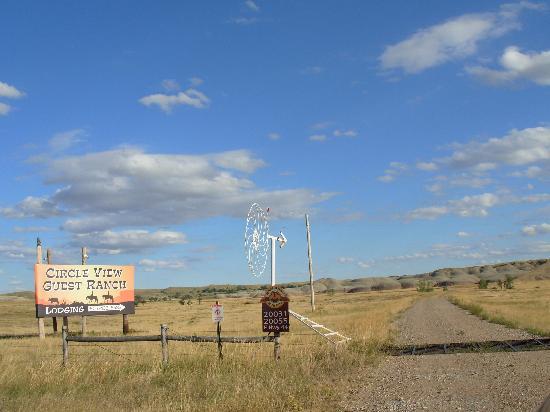Circle View Guest Ranch: Ranch entrance
