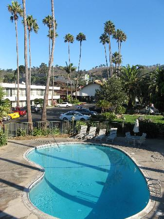 Vagabond Inn Ventura : the pool