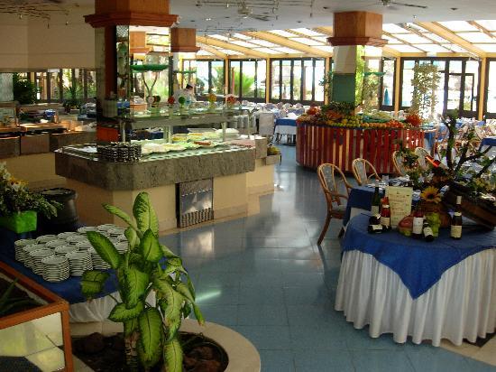 IFA Beach Hotel: Restaurant
