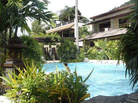 Phi Phi Banyan Villa: Pool view