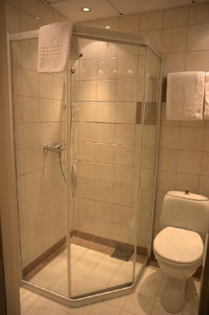 Hotel Union Geiranger: Shower