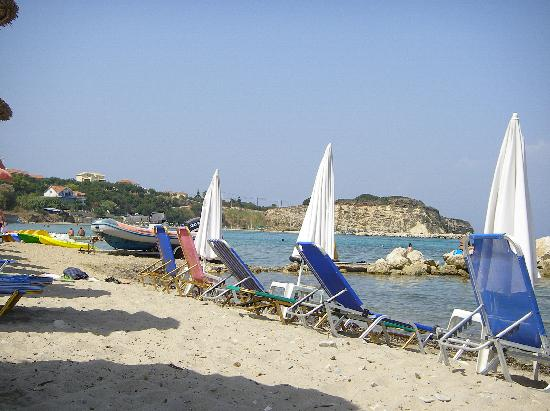 Planos Bay Hotel: The beach