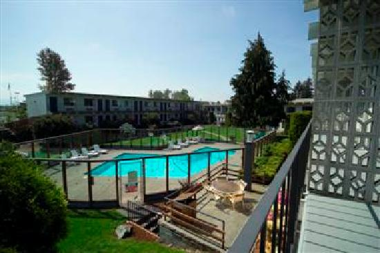Burlington, WA: Cocusa Motel - courtyard