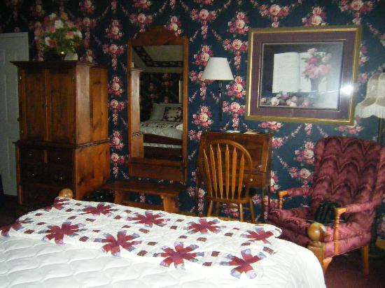 Essenhaus Inn & Conference Center : Our Room