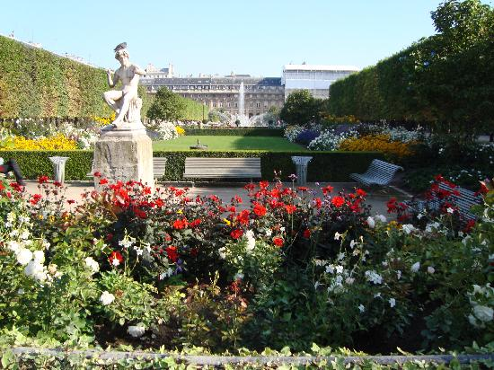 Königlicher Palast: palais royale gardens