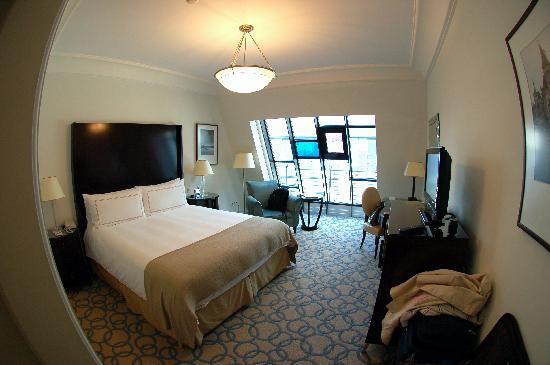 Four Seasons Hotel Gresham Palace: Room