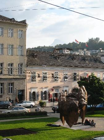 Bristol Hotel Salzburg : The view from our room towards Mozart's Wohnhaus