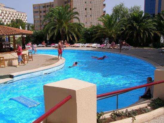 Sol Lunamar Apartments Pool