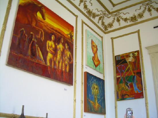 Casa Libertad: Inside the hostel (art galery)