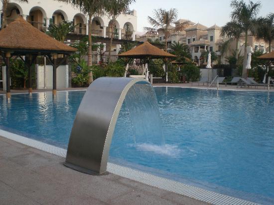 Gran Melia Palacio de Isora Resort & Spa: Una de las 4 piscinas
