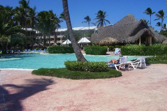 VIK Hotel Cayena Beach: LTI Pool Looking Towards the El Bucanero