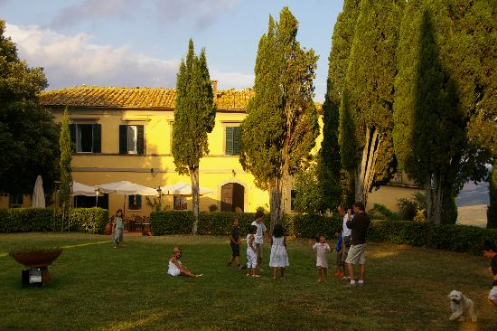 Fattoria La Palazzina: la palazzina al tramonto