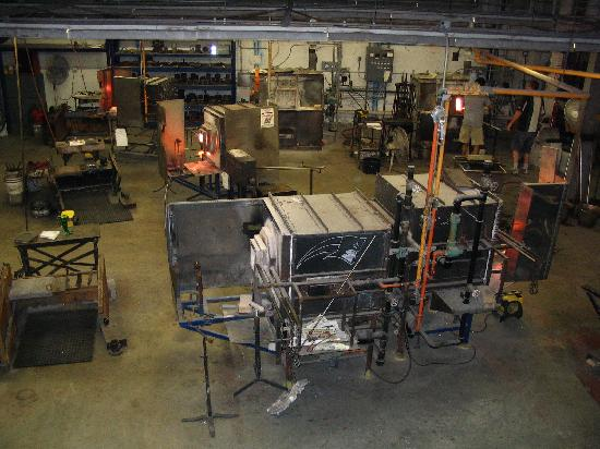 Pairpoint Glass Works : Glass-making manufacturing area