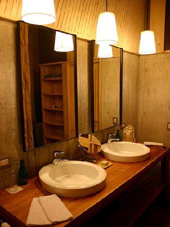 explora Rapa Nui - All Inclusive: Bathroom in Hotel Room