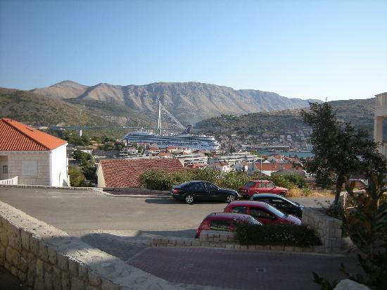 Villa Curic : Vue du port