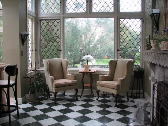 Perth Manor Boutique Hotel: Sitting Nook in the Conservatory