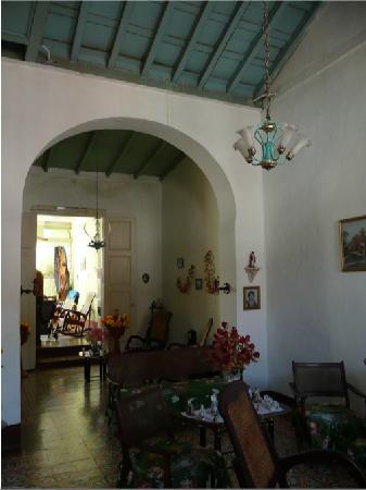 Casa de Azalea y Alfredo: the reception room