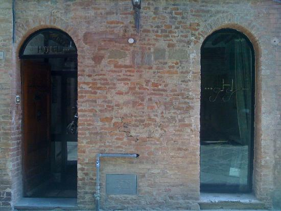 Hotel Antica Torre: entrance - you are looking at the entire width of the building...