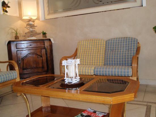 Hôtel Beau Site : Waiting Room