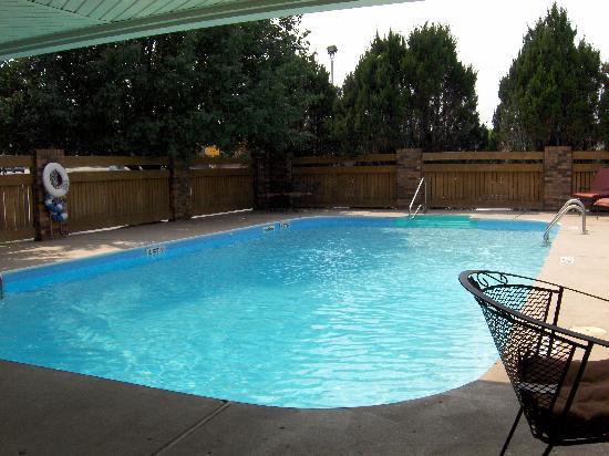 Best Western Inn: Pool