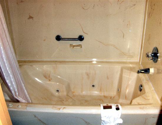 BEST WESTERN Inn: Very nice tub