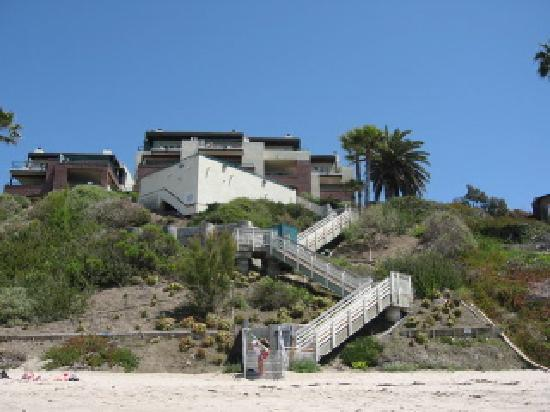 Laguna Surf: Stairway from resort to beach