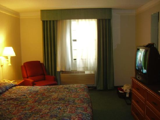 La Quinta Inn Pittsburgh Airport: Inside the room
