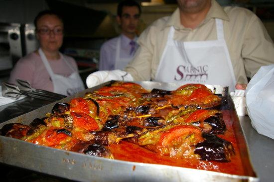 Sarnic Hotel Turkish Cooking Class: Imam bayildi (stuffed aubergines)