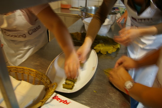 Sarnic Hotel Turkish Cooking Class: Making the dolma