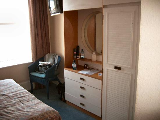 The Ocean Hotel: Bedroom