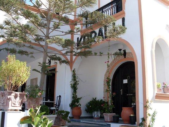 Koralli Hotel: entrence
