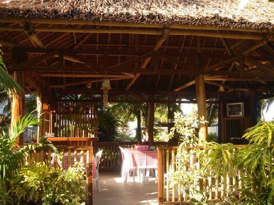 Dona Crispina Resort and Hotel: Restaurant: Dining Al Fresco