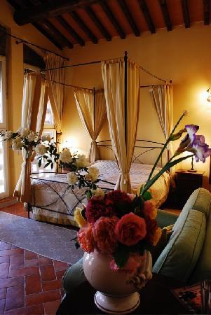 Borgo Di Colleoli Resort Tuscany: la camera