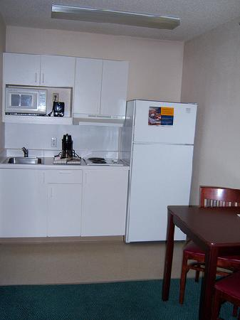 Extended Stay America - Louisville - Dutchman: kitchen area