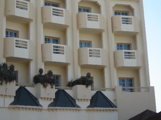 Sirocco Beach: balconcini delle camere
