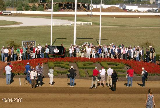 The Red Mile : 2008 Tattersalls Pace Winners Circle - Somebeachsomewhere