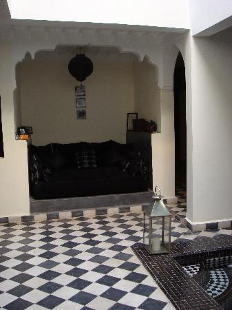 Riad Elizabeth : Seating area near doorway