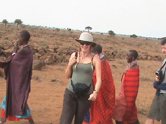 Wildlife Kenya Safaris - Day Trips: Visiting Maasai in Amboseli National Park