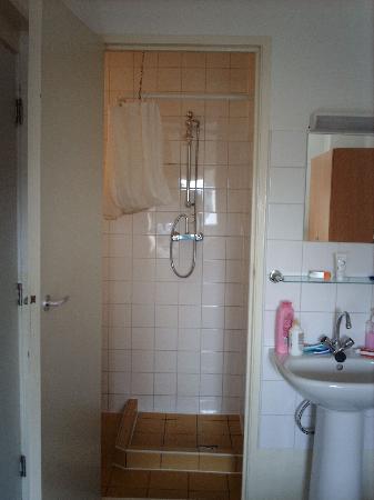 Hotel Abba: lavabo y ducha