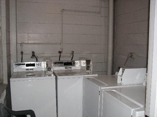 Silver Beach Club: wash room