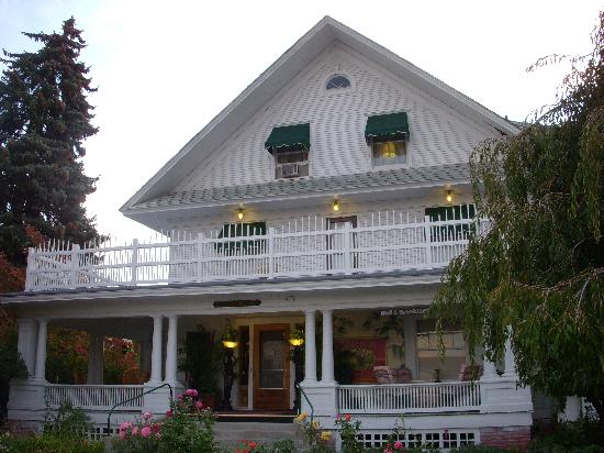 Whaley Mansion Bed and Breakfast: Whaley Mansion B&B in the morning
