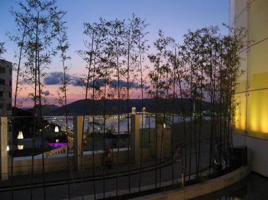 Altira Hotel: Courtyard/garden