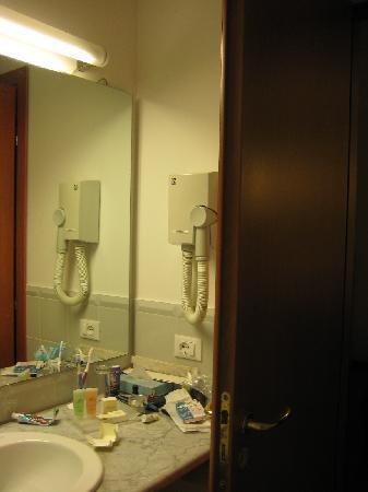 Grande Albergo Sole: bathroom 2