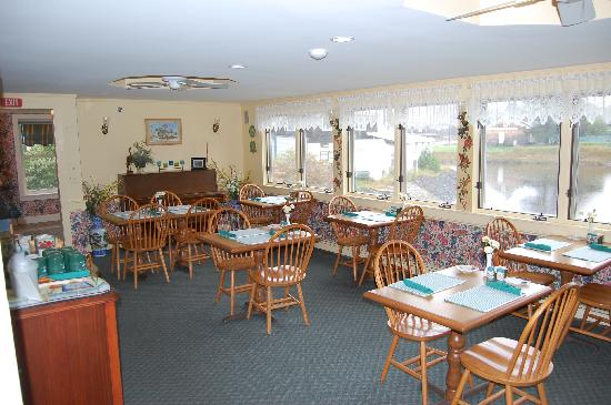 ‪‪The Edgewater Inn‬: Green Heron Breakfast Room‬