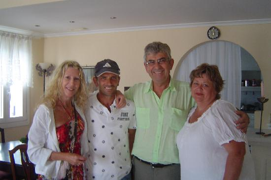 Villa Renos: Two Deb's with Petros and Andreas